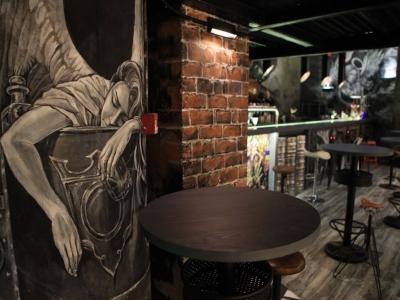 В Москве открылся готический бар Cernovar